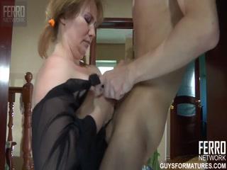Порно видео без регистрации с красивой блондинкой траха