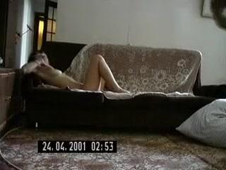 Мужик любит ебать жену в пизду и кончает ей на лицо